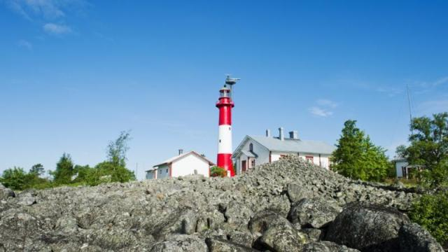 http://www.samogid.ru/sites/default/files/imagecache/640x480/Tankar_lighthouse_Finland_05_57071-930x523.jpg